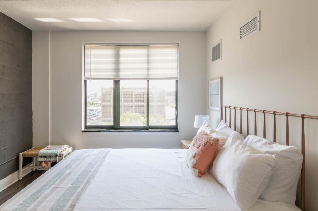 03_CozyHaus-bedroom-interior