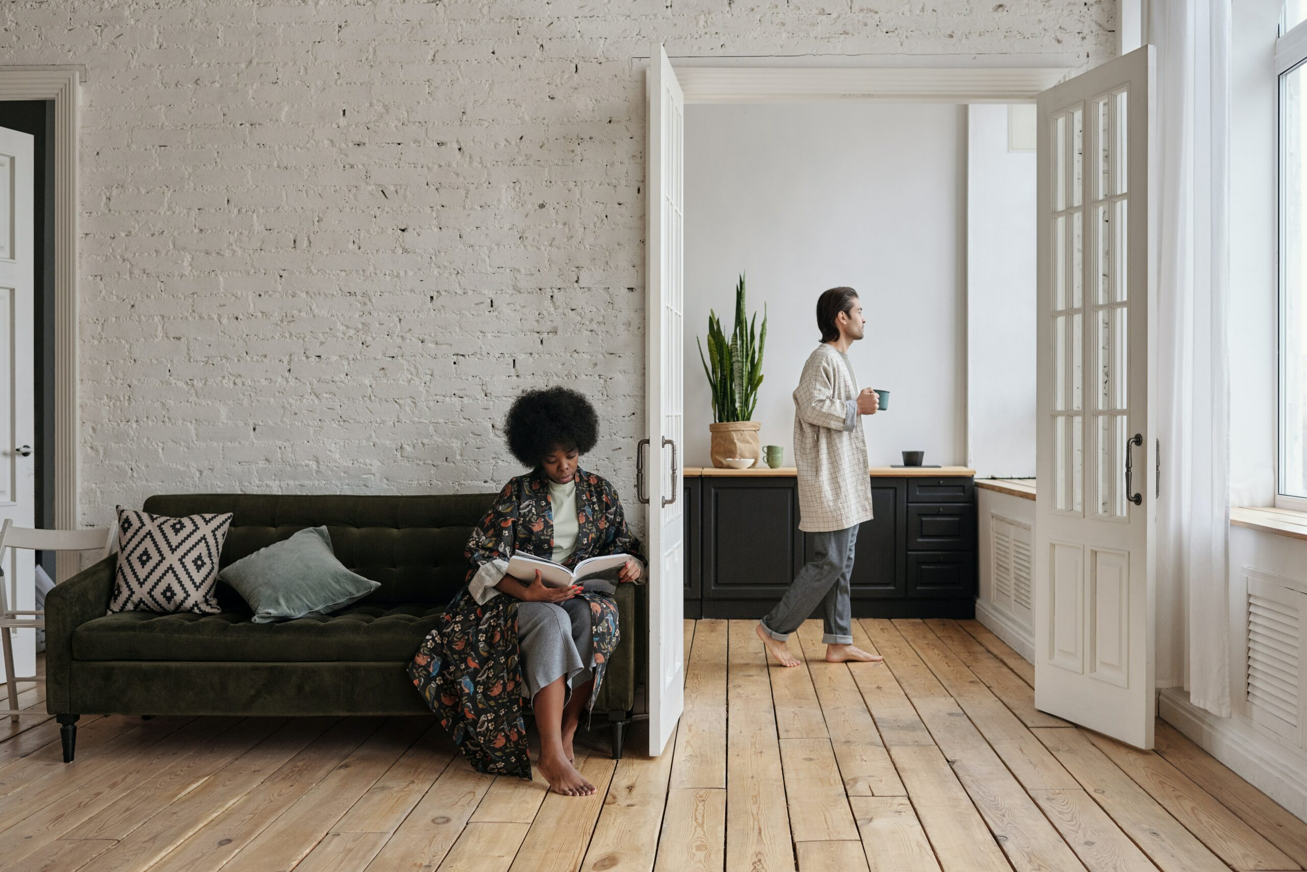 Airbnb Smart Locks: 2021 Updated and Vetted Comparison of 6 Best Providers