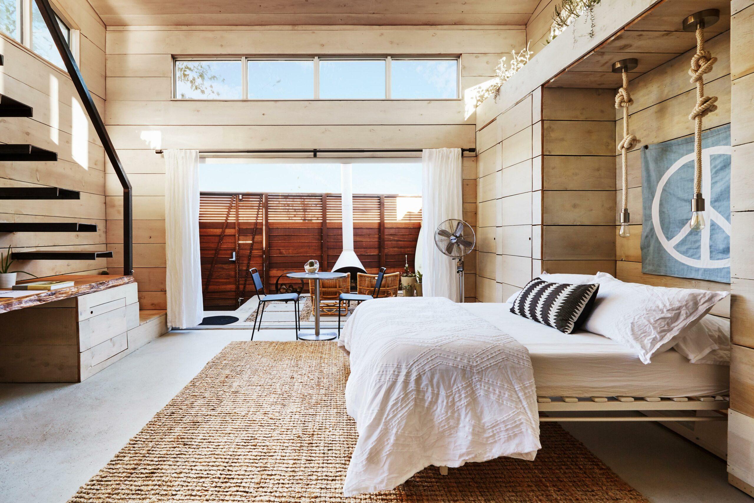 04_Airbnb Plus bedroom interior image