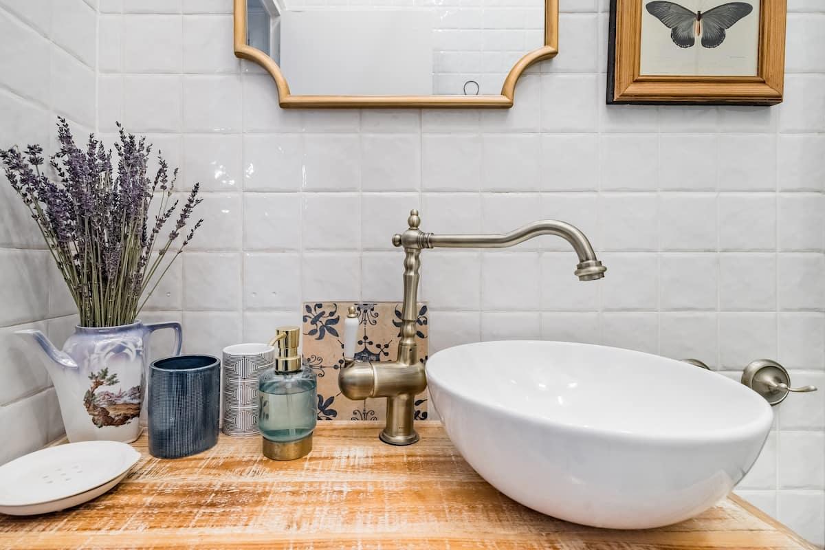 05_Airbnb Plus bathroom interior sink closeup
