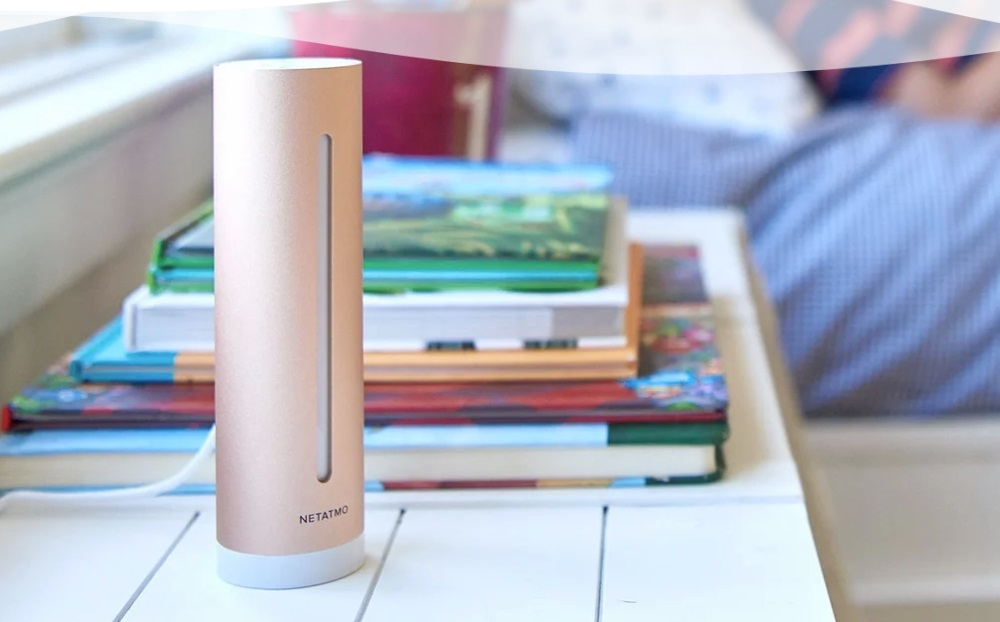 06_Occupancy monitoring is easy with smart home technology for your vacation rental. An image of a Netatmo air monitor.
